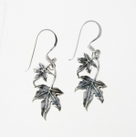 E118 Ivy leaf earrings