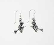 E37 Witch earrings
