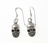 E75 silver skull earrings
