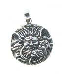 P287 Green Man Circle Pendant