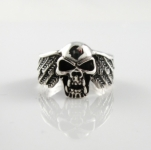R293 Skull Ring with wings