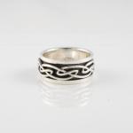 R253 Celtic Spinner Ring