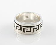 R260 Greek key spinner ring
