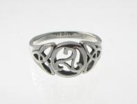 R241 Silver celtic ring