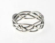 R240 Silver celtic ring