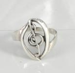 R196 Treble clef ring