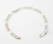 B7 Flat linked bracelet