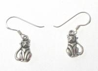E169 Silver cat earrings
